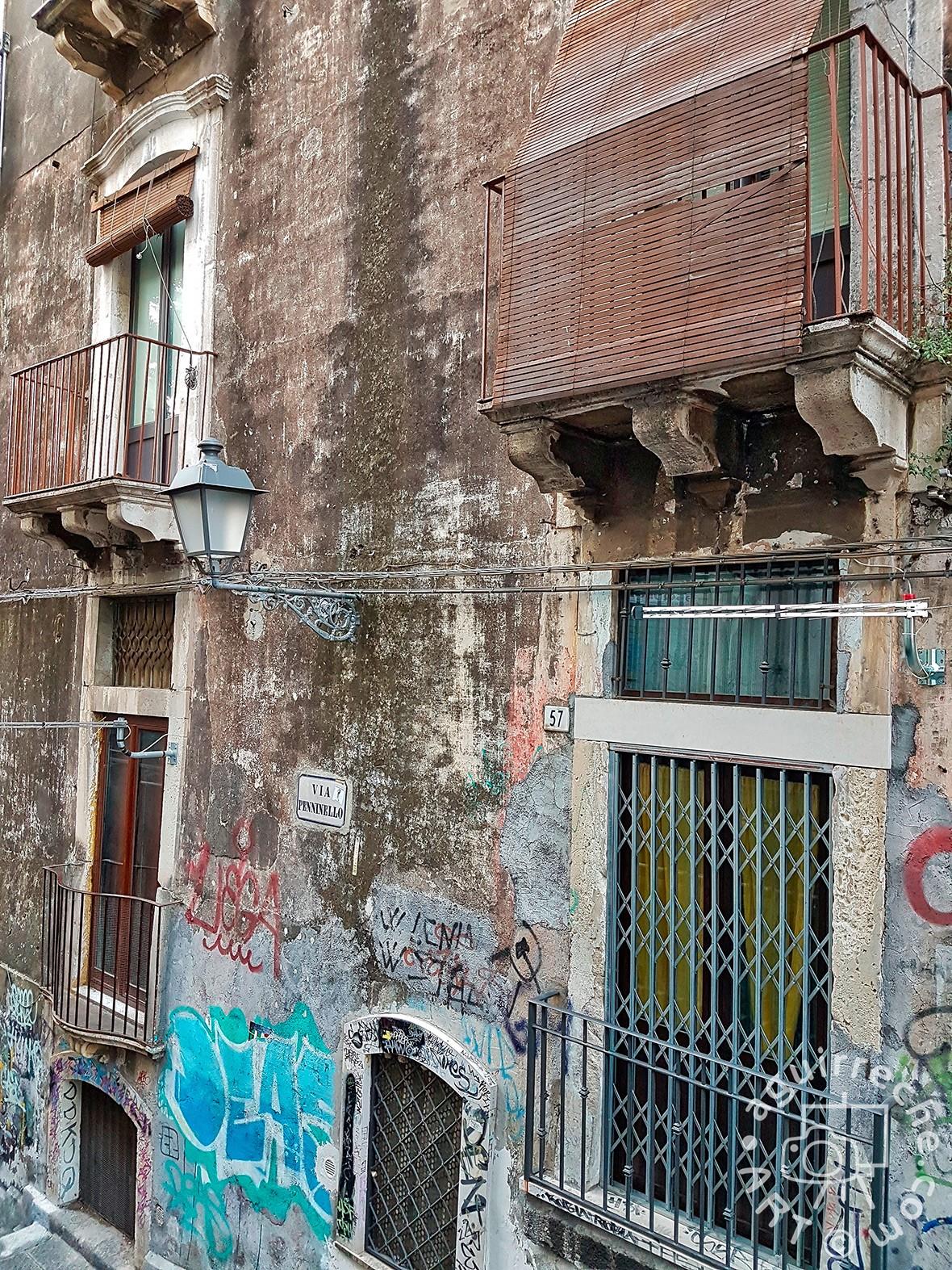 Fotografía arquitectura decadente, grafitis